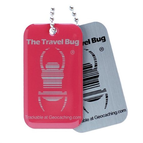 QR Travel Bug® Anhänger Atomic Pink