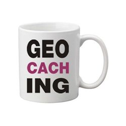 Kaffee + Teebecher Geocaching Letters Pink