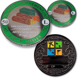 50 Hides - Geo Achievement Geocoin Set mit Pin